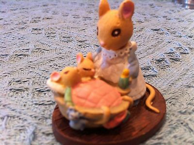 """Nos Avon Gift Collection Forest Friends """"all Tucked In"""" Mini Figurine"""