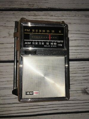 Vintage 1960's Portable Radio AM FM Solid State General Electric P977A