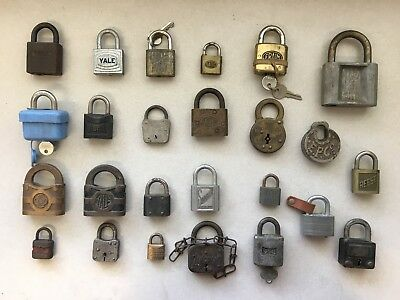 Mixed Lot of 25 Antique Vintage Padlocks Reese Eagle Yale Miller Corbin (A)