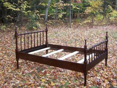 Antique Ornate Maple SPINDLE BED & Mattress 3/4 Size Vintage LOCAL PICKUP ONLY