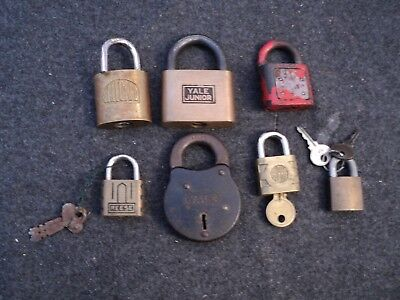 vintage yale pad locks 4 in lot no keys + 3 with keys alpha reese 7 lot