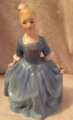 Vintage ROYAL DOULTON Figurine A CHILD FROM WILLIAMSBURG 2154