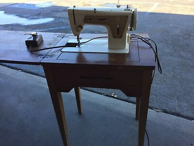 SINGER SEWING MACHINE Model 40 With Foot Pedal And Table Cabinet Delectable Hideaway Sewing Machine Cabinet