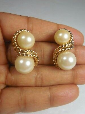 Beautiful Vintage Gold Tone Metal  with Faux Pearl Earrings