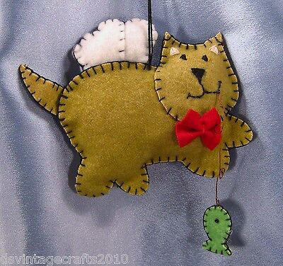 Folk Art Kitty Cat Hand Sewn Felt Christmas Ornament No.3750 New