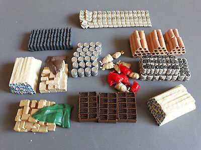 Bulk Lot Scenic Items Barrels, Sacks Etc As Shown Unboxed Oo Ho Scale(Fn)