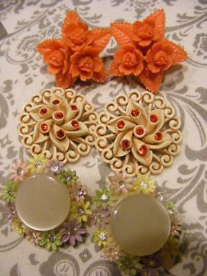 3 pair Very COOL RETRO Vintage EARRINGS Plastic Rhinestone Lucite Mother pearl