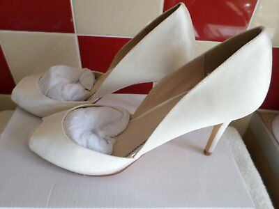 Gorgeous Ivory Shoes by Monsoon size 4