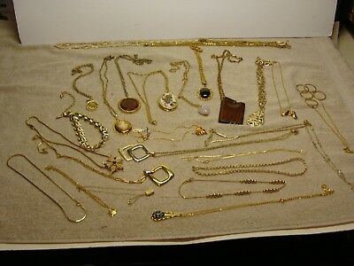 LOT OF 25 VINTAGE PIECES COSTUME Jewelry ORNATE CAMEO Enamel DESIGNER NECKLACE