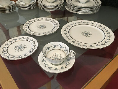 Vintage Aynsley England Bone China 40 Piece Dinner Set