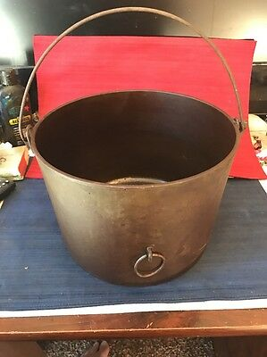 RARE CAST IRON FLAT BOTTOM No 8 Sydney ANTIQUE COOKING POT Heat Ring