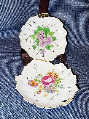 Pair of Vintage NASCO Hand Painted Leaf Shaped Small Plates w/ Gold Details EUC