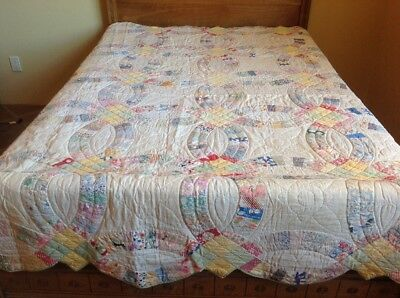 Antique Vintage Double Wedding Ring Quilt. Very Good Condition. Downsizing.