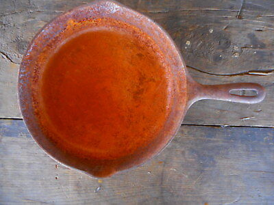 Very Rusty Vintage Cast Iron Skillet Pan 10.5 inch Unmarked Country AS IS