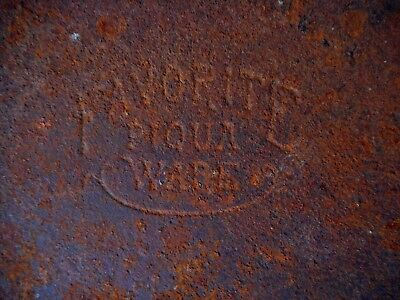 No 9 Piqua Ware Favorite Vintage Cast Iron Skillet Pan Heat Ring AS IS Rusty