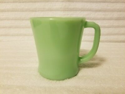 Vintage Fire King Jadeite D Handled Coffee Mug In Excellent Condition