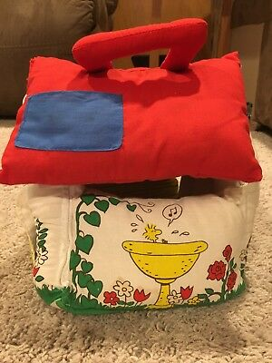 """Peanuts Snoopy Plush Doghouse Playset w/ Snoopy (4.5"""") & Woodstock (3.5"""")"""