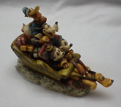 Harmony Kingdom Mickey and Friends HOLIDAY SLEIGH RIDE Figurine [D65]