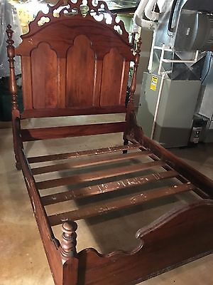 Antique Victorian Lincoln-Style Bed