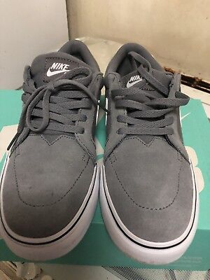Nike Grey Trainers Only Worn Once 5.5 Uk Size