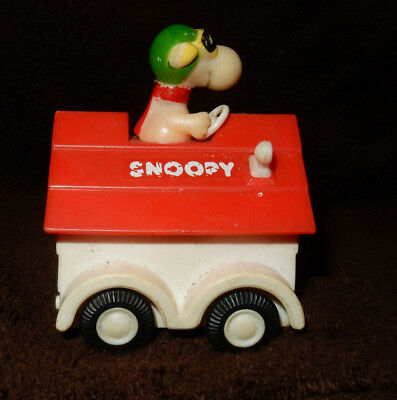Vintage Peanuts Snoopy Dog House Car Aviva Toy Company 1965 Red Baron Flying Ace