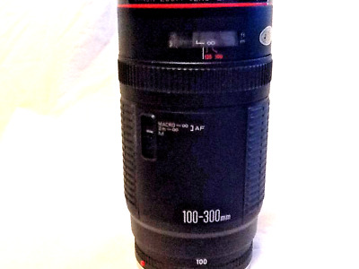 NEW CANON TELEPHOTO ZOOM EF 100-300 mm F/5.6 L MACRO AF LENS RED ARRIFLEX MINTY