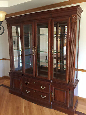 Cherry Wood Heirloom Pennsylvania House Dining Room Set with Buffet /Server