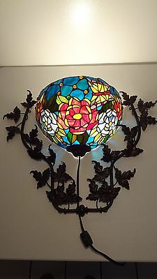 Tiffany-Style Stained Glass Ivy Roses Wallchiere Sconce-Multi Colored