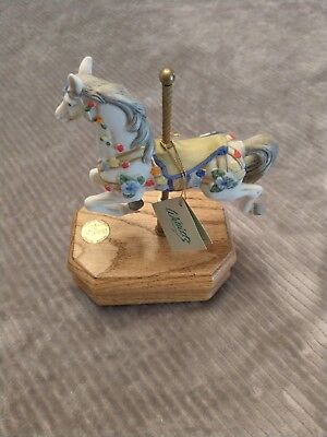 Rare Vintage Willits Design The Heritage Collection Horse Musical Carousel