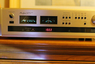 Accuphase Tuner T103