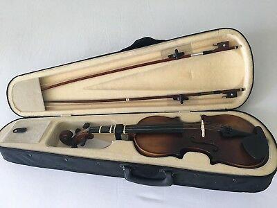 Student Acoustic violin 3/4.Maple Spruce with travel bag, two Bows and more.