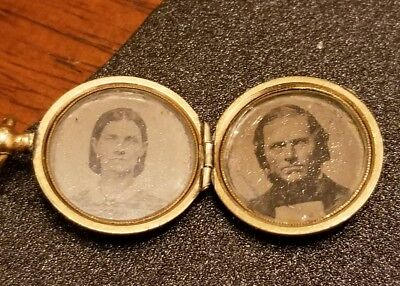 Antique Victorian Civil War Era Small Mourning Locket Photo Woman & Soldier Nice