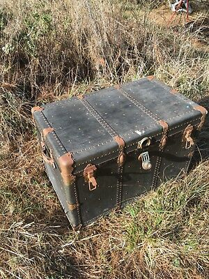 vintage steamer trunk large nicely kept EX Yale and Towne lock
