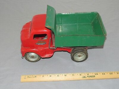 Vintage 1950'S TONKA TOYS MOUND METALCRAFT INC. Red/Green Toy SERVICE DUMP TRUCK