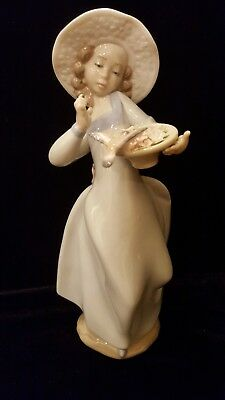Lladro Caught in the Act 6439 with original box low starting bid no Reserve