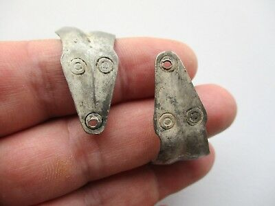 Ancient Norse-Viking Anglo-Saxon silver bracelet, head at the two of terminals