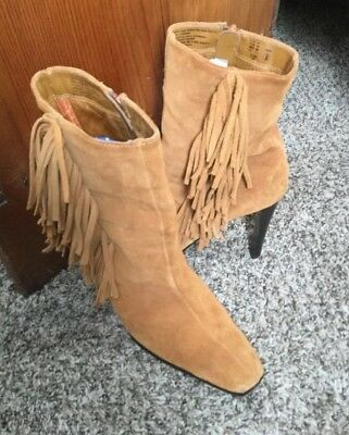6c0c80bb6a7e7 PREDICTIONS Genuine Suede Leather Fringe High Heel Ankle Boot size 9