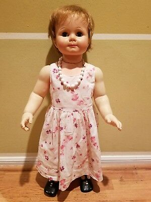 vintage 1950's ideal  doll, mint condition, eyes close when laided down