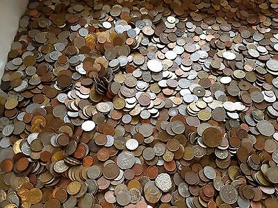 WORLD COINS (5 Pounds) - qty 1