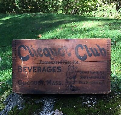 Vintage CLICQUOT Club Beverages Ginger Ale Soda Wooden Crate GREAT GRAPHICS