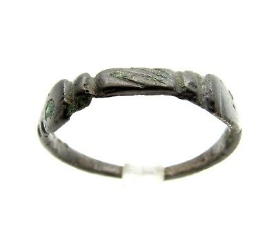 Late Medieval Bronze Ring W/clasped Hands - Rare  Artifact Wearable - Q801