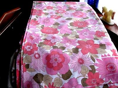 Vintage/retro bed sheet, white with flowers in shades of pink   (143)