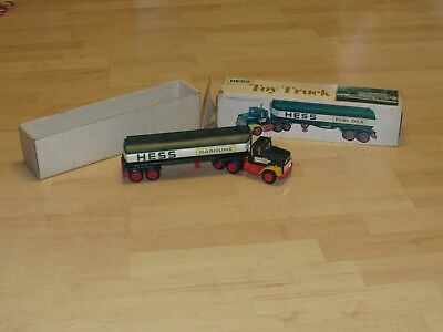 Vintage 1977 Hess Truck With Insert And Original Box