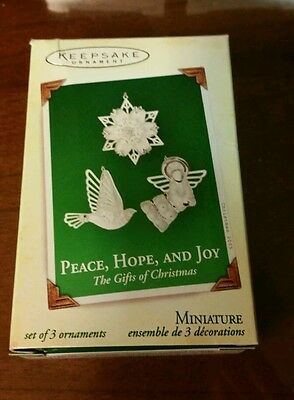 2005 Hallmark Miniature Ornament Peace, Hope, And Joy The Gifts of Christmas