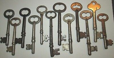 lot of 12 VINTAGE SKELETON KEYS LOCK DOOR ANTIQUE key MORE KEYS LISTED