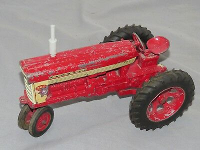 Vintage IH Farmall 560 Toy Tractor With 2 Point Fast Hitch Original 1958 1 16