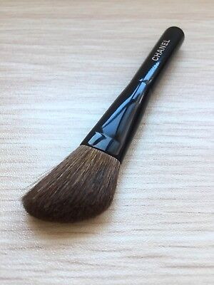 100% Genuine CHANEL Blush Brush - Limited edition Travel size