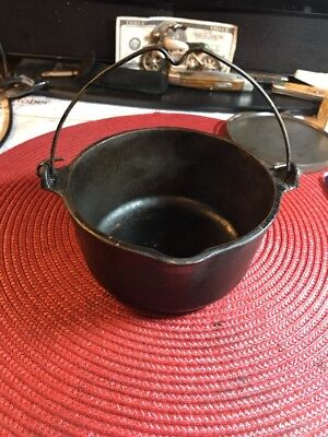 Vintage WAGNER WARE Cast Iron Hot Pot #1362 A Sidney O. patty bowl / candy dish