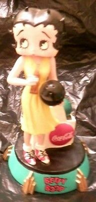 BETTY BOOP Coca Cola BOWLING Premiere Edition Numbered (976) Figurine Rare Cute