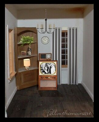 2 piece Dollhouse Set TV & Old Radio Vintage Look Wood  Its a Wonderful Life